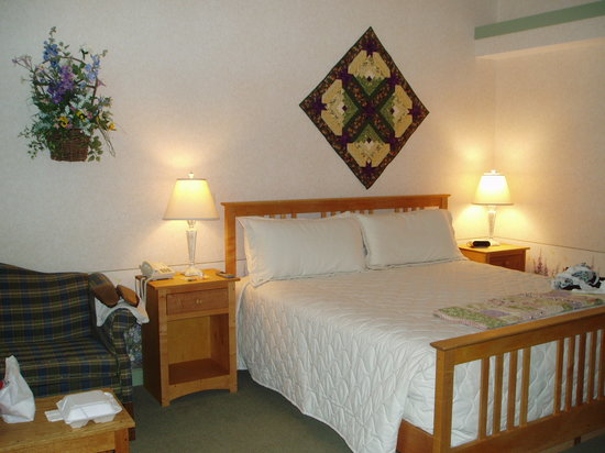 Essenhaus Inn & Conference Center: My room