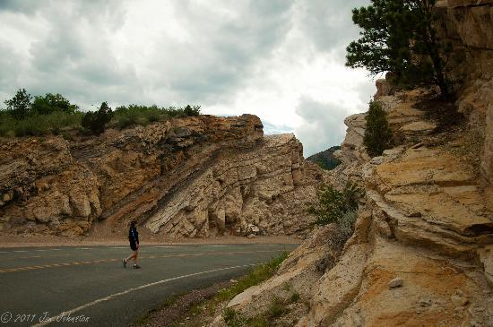Dinosaur Ridge: Smooth paved road