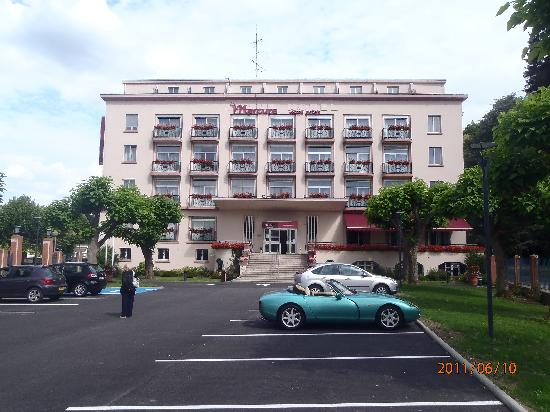 Grand Hotel Filippo : The hotel from the car park.
