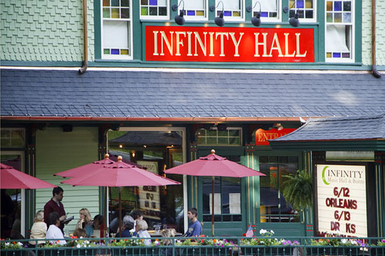 Infinity Bistro: Infinity Music Hall & Bistro