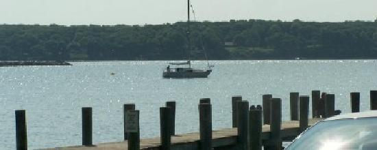 Stirling House Bed and Breakfast: alittle serenity in greenport