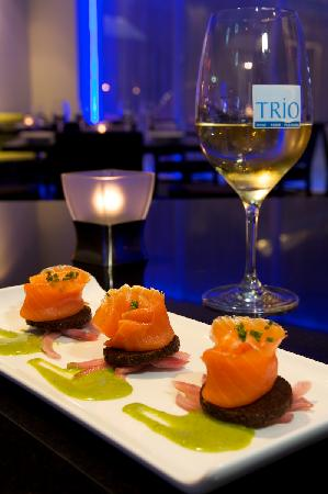 Trio Restaurant And Bar At Novotel Toronto North York Hotel Pleasure Dish Smoked