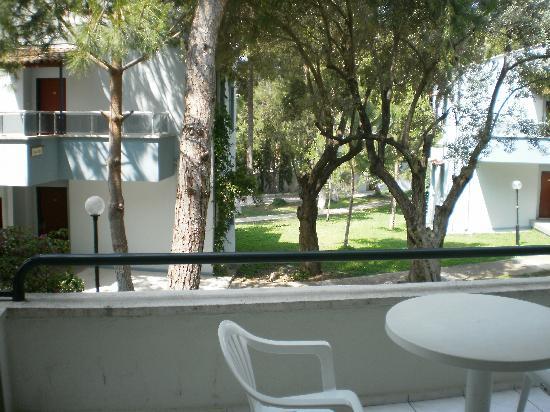 Kustur Club Holiday Village : terrasse et vue dela chambre