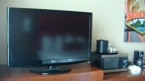 HYATT House San Jose/Silicon Valley: Big screen TV + other amenities