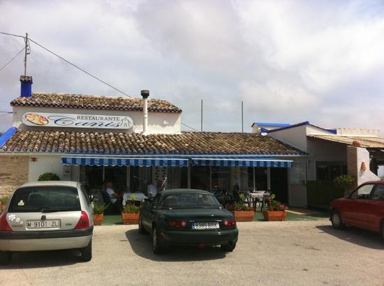 Restaurante Canis: front of restaurant in the afternoon