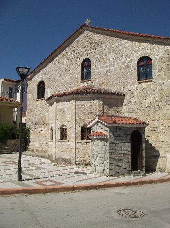 Royal Hotel: Polychrono church