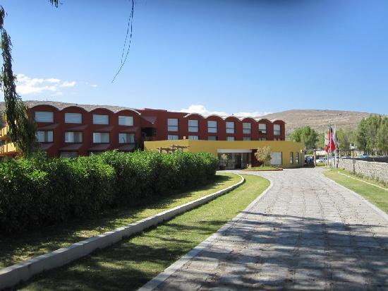 Hotel El Lago Estelar: fachada del hotel