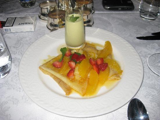 InterContinental Kiev: Fruit pancake