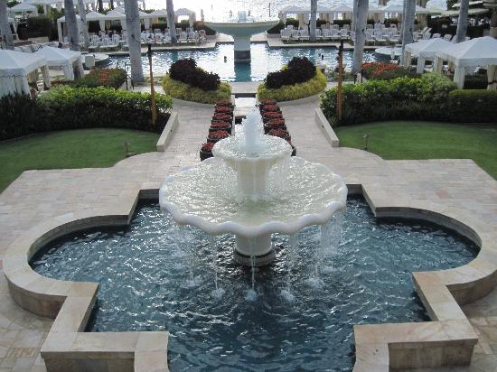 Four Seasons: The Fountain Pool