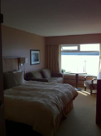 Inn on the Harbour: comfy room and bed but thin walls and ceiling