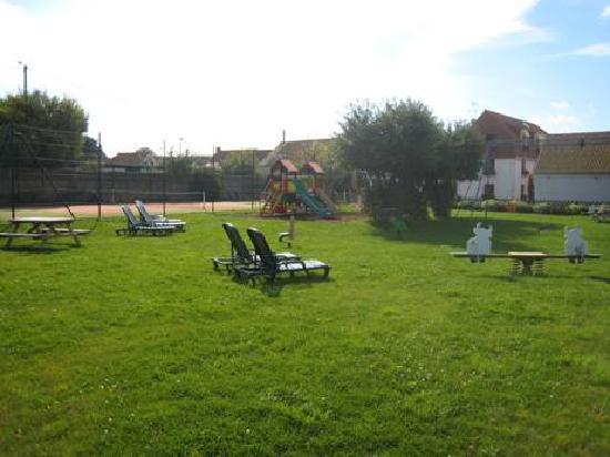 Escalles, France: jardins et jeux