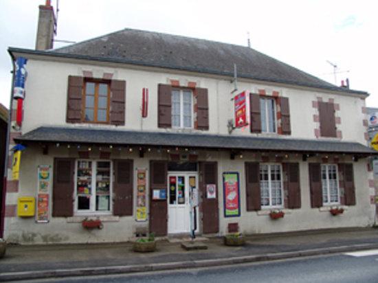 Charsonville, France: Façade du restaurant