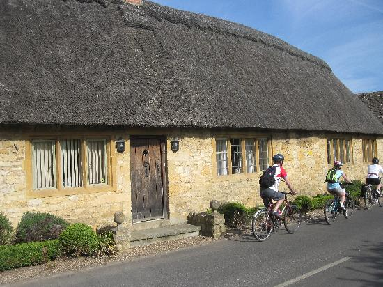 Biker's Delight : Traditional cottages in the Cotswolds