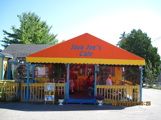 Java Joe's Cafe: Colorful exterior