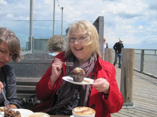 Southwold Pier: Coffee and cake on the pier.