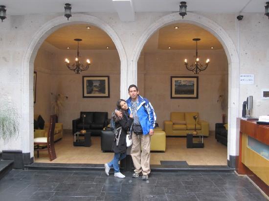 Hotel Maison du Soleil: sala de tv