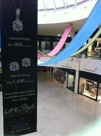 Dubai Outlet Mall: DOM 4