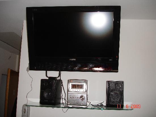 Hotel Luque: Nuestras habitaciones cuentan con Televisores LCD y equipos de música.