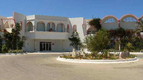 Club Jumbo Djerba: L'entrée de l'hôtel