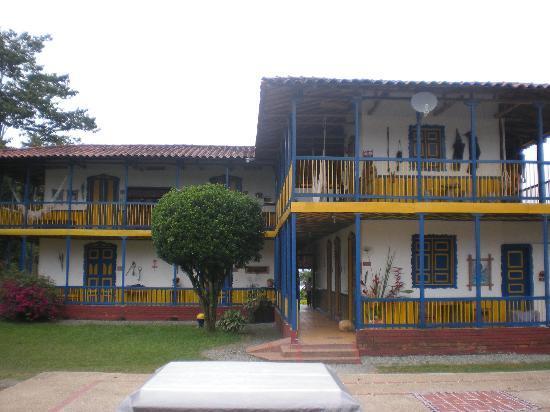 أسيندا كومبيا: Main House