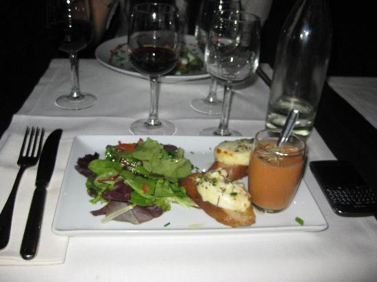 Le Mably : Goat Cheese Salad Starter