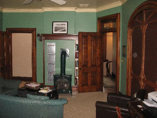 Boyden House Inn: Guest Library