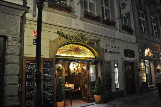 Residence U Cerneho Orla: front of restaurant