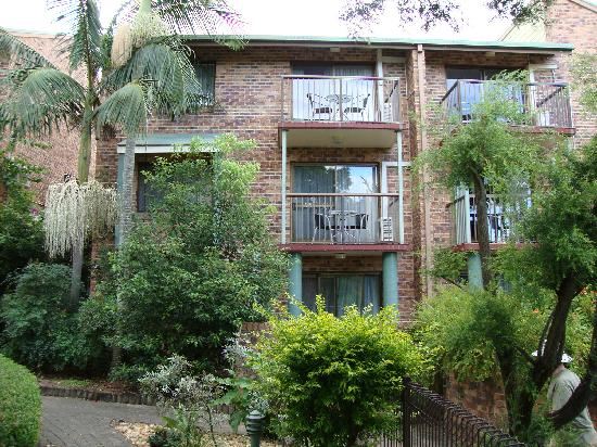 Toowong Villas: one of the buildings