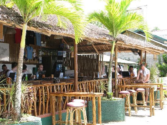 Badladz Dive Resort: BadLadz retaurant
