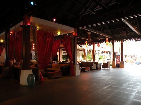 Club Med Cherating Beach: Bar Area