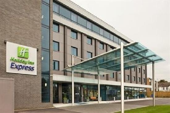 holiday inn express london heathrow t5 slough hotel. Black Bedroom Furniture Sets. Home Design Ideas