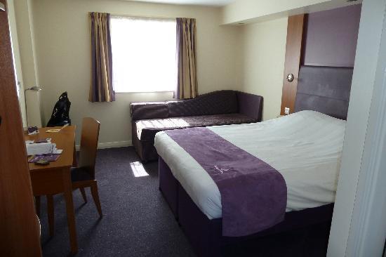 Premier Inn Coventry East (M6,Jct2) Hotel : Single room