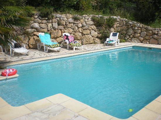 LE MAS DE FRAYERE : la piscine