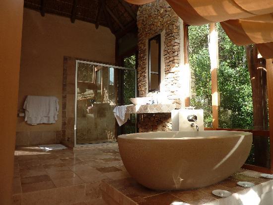 Trogon House and Forest Spa: La salle de bains de la chambre haut de gamme