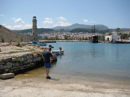 Mythos Suites Hotel : Harbour,  2mins walk
