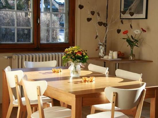 Chalet Les Pelerins: A huge kitchen table to enjoy your meals