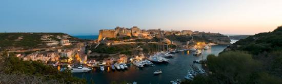 Bonifacio La citadelle et le port de plaisance