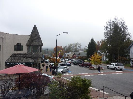 Main Street Inn Highlands : View from the Inn