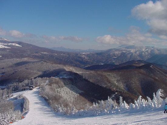 Sugadaira Kogen Ski Area : 菅平の美しい山並みとゲレンデ