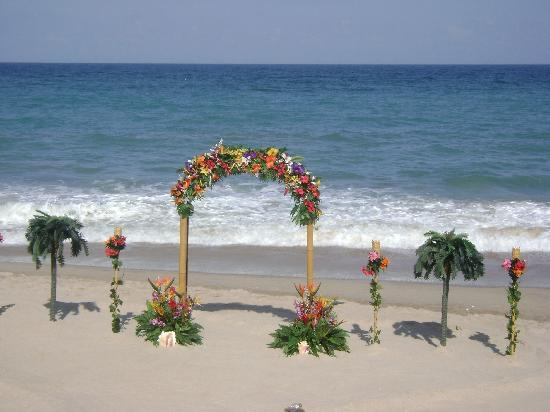 Holiday Inn Hotel Suites Vero Beach Oceanside Wedding