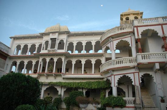 Darbargarh Poshina Heritage Home