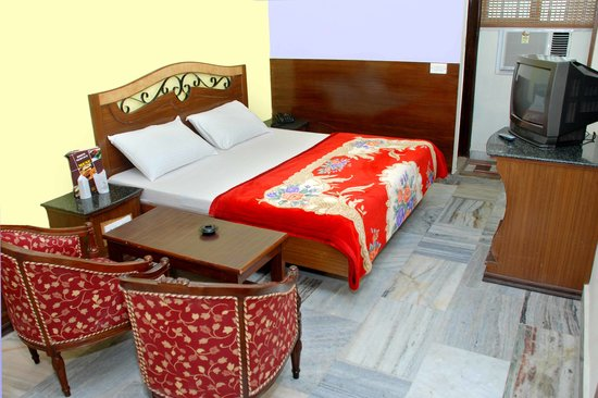 هوتل بالفي بالاس: Hotel Pallvi Palace