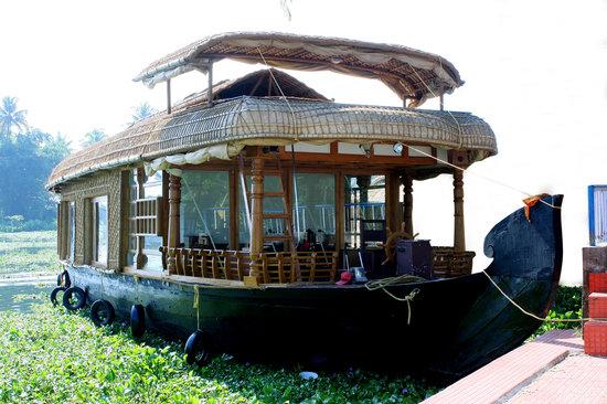 Lake View House Boats