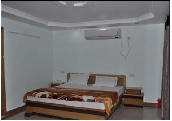 Hotel Ganesha Inn