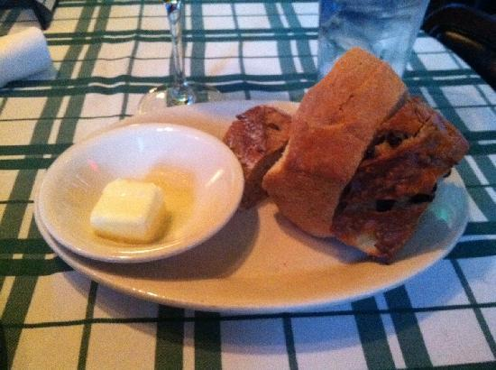 Gibsons Bar & Steakhouse: Table Bread and Butter