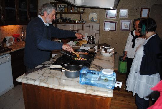 AlKaBriS : le chef en cuisine