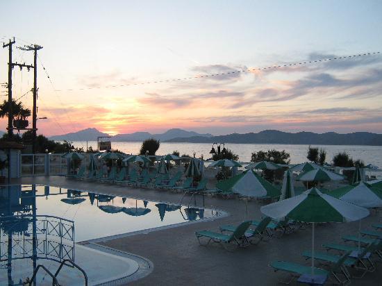 Akti Dimis Hotel: Tramonto