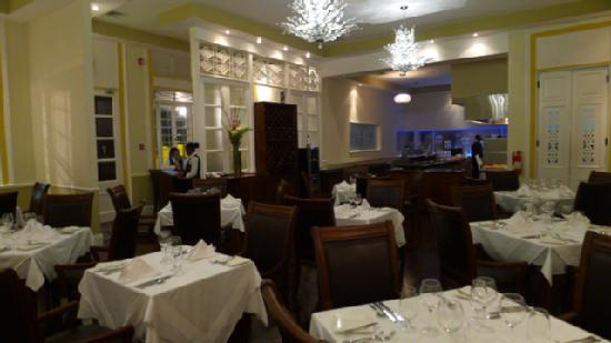 Ipanema Restaurant & Lounge: Dining Room at Ipanema