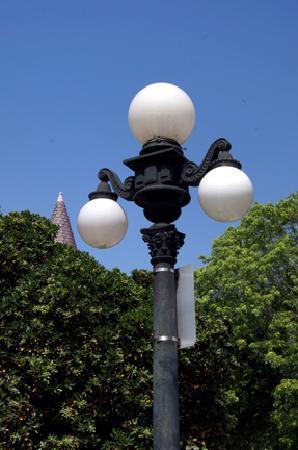 Angelino Heights Historic Area : Street Lamp