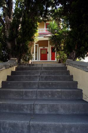 Angelino Heights Historic Area: Up the Steps